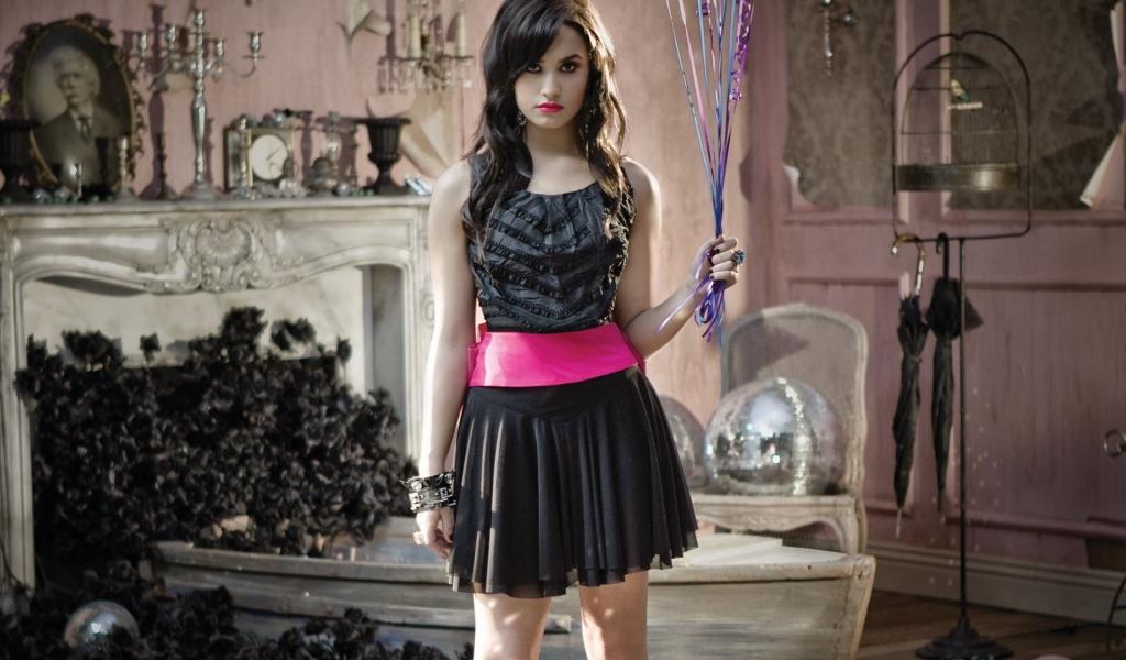 Demi Lovato fotos 2013 - 1024x600