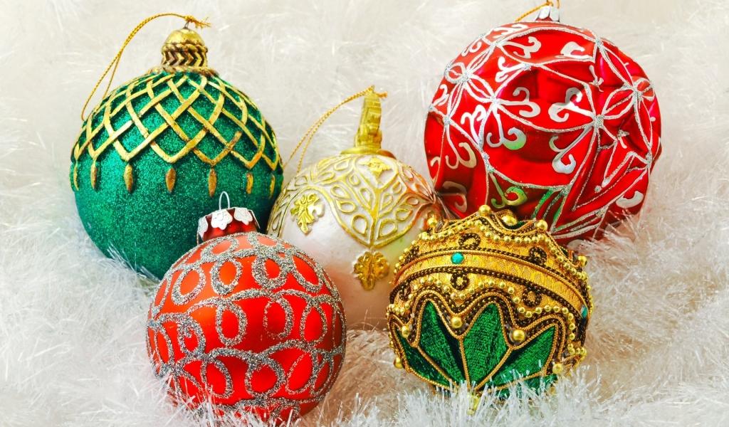 Diseños de bolitas de navidad - 1024x600