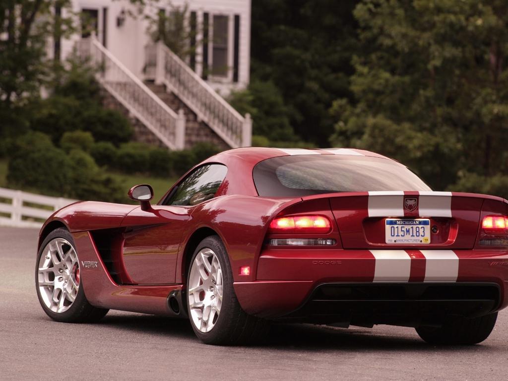 Dodge Viper SRT10 - 1024x768