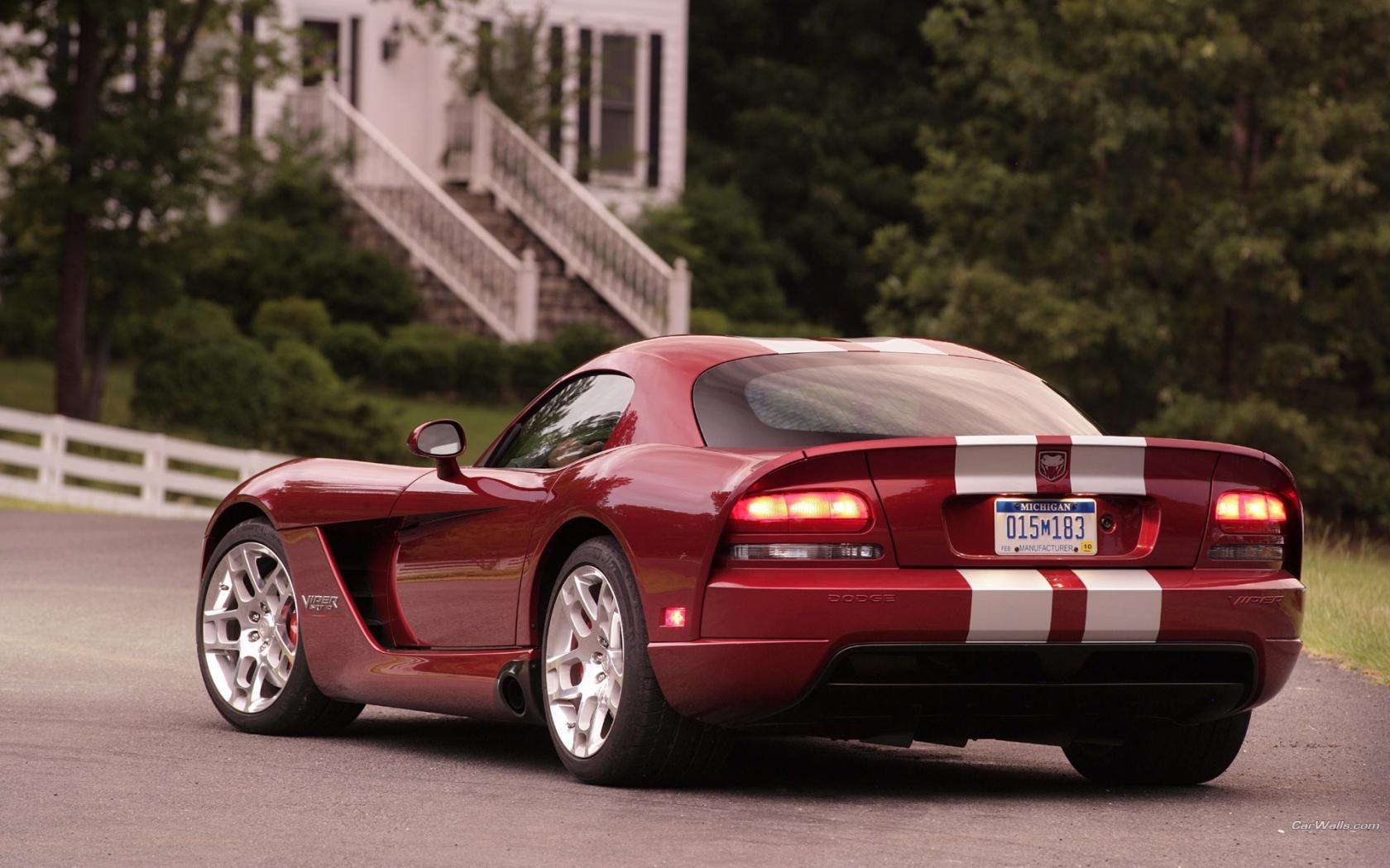 Dodge Viper SRT10 - 1680x1050