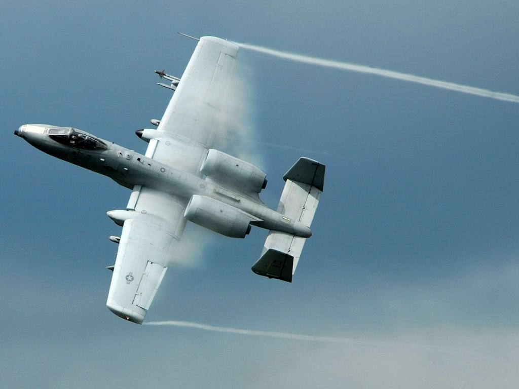 El avión A-10 Thunderbolt - 1024x768
