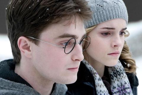 Emma Watson y Daniel Radcliffe - 480x320
