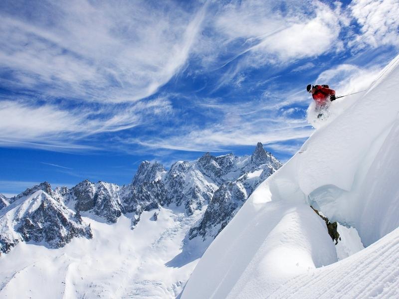 Esquiando en la nieve - 800x600