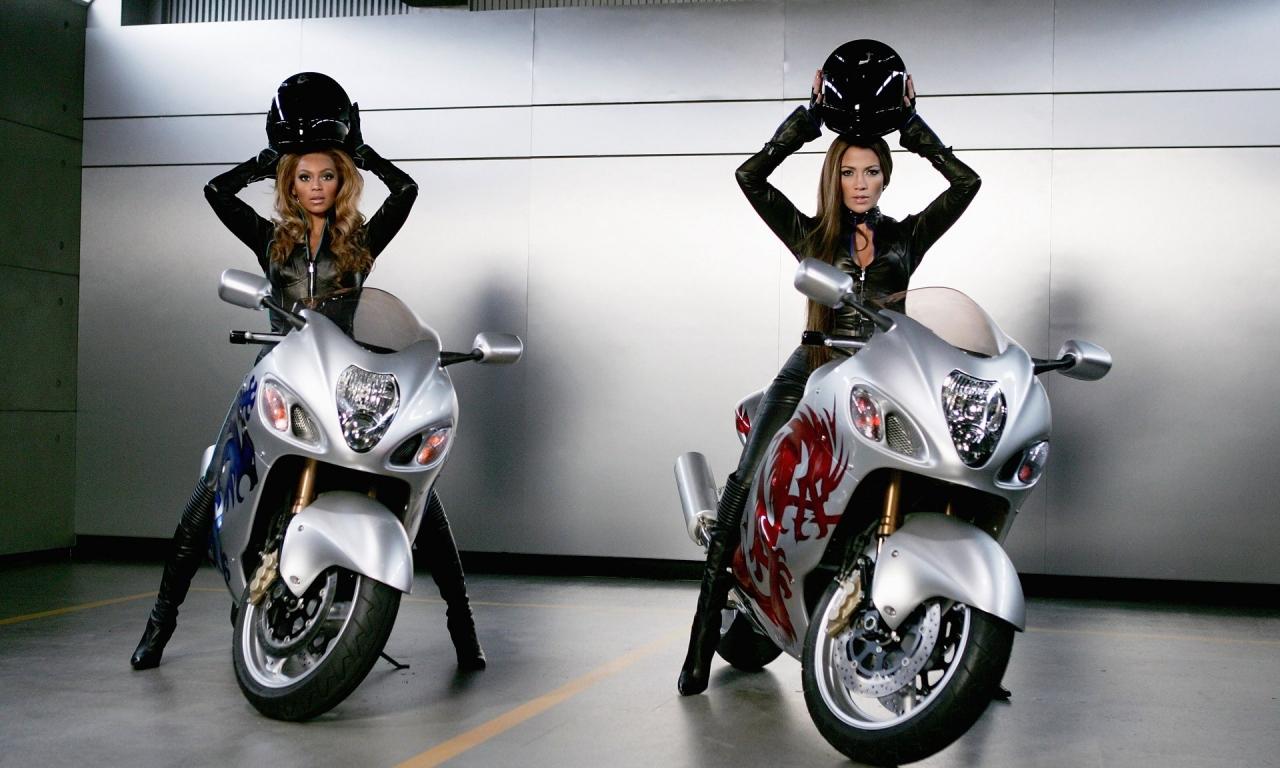 Famosas en motos - 1280x768