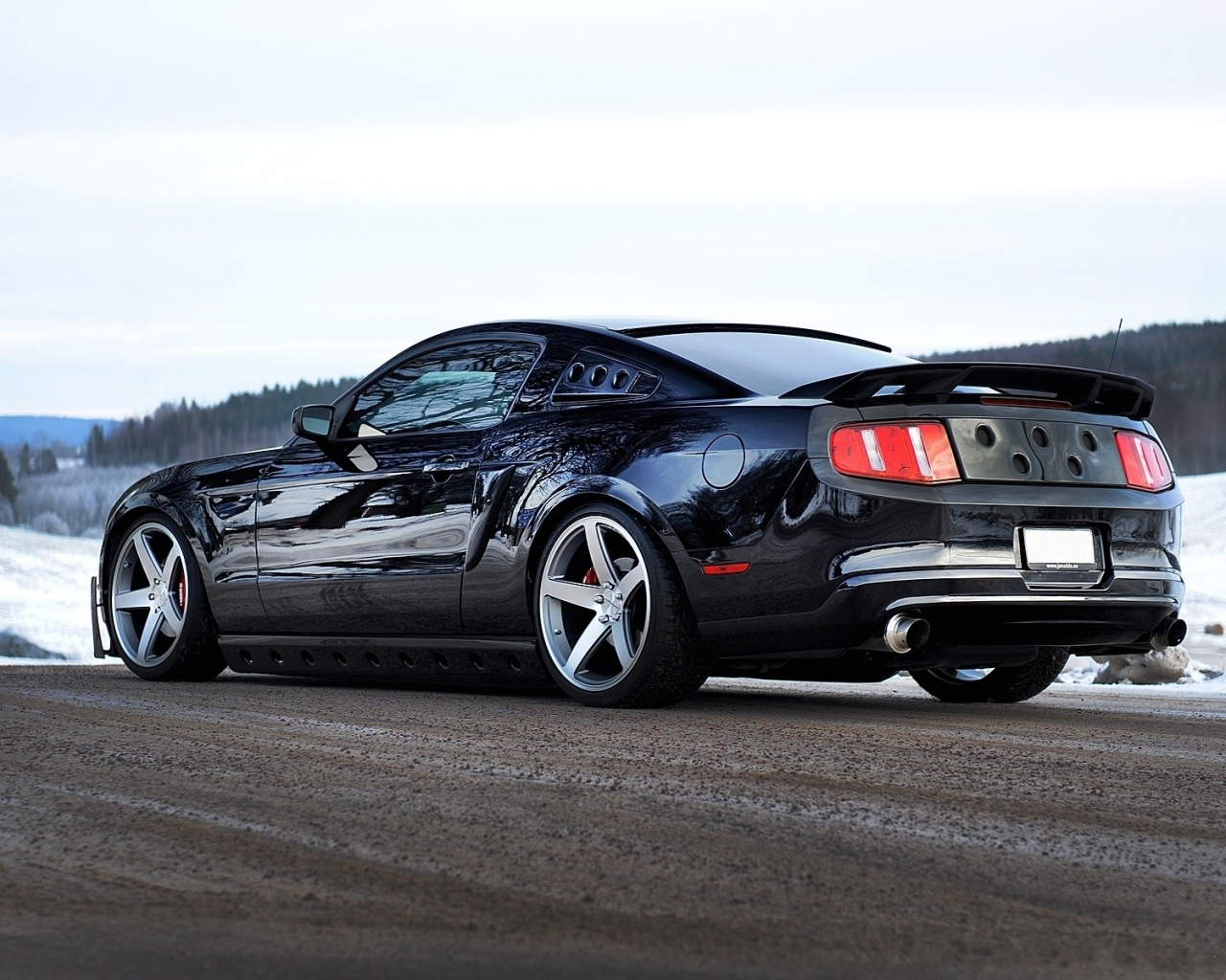 Ford Mustang GT 2013 - 1280x1024
