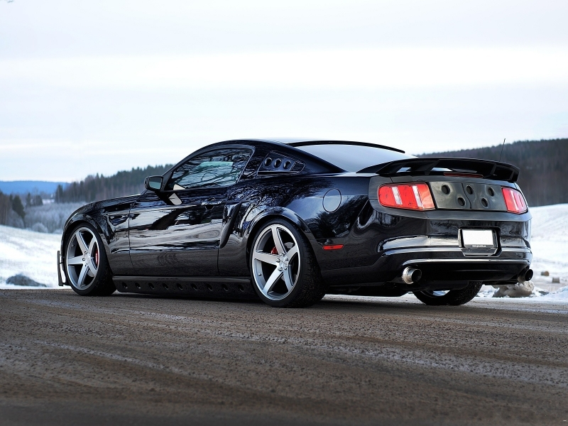 Ford Mustang GT 2013 - 800x600