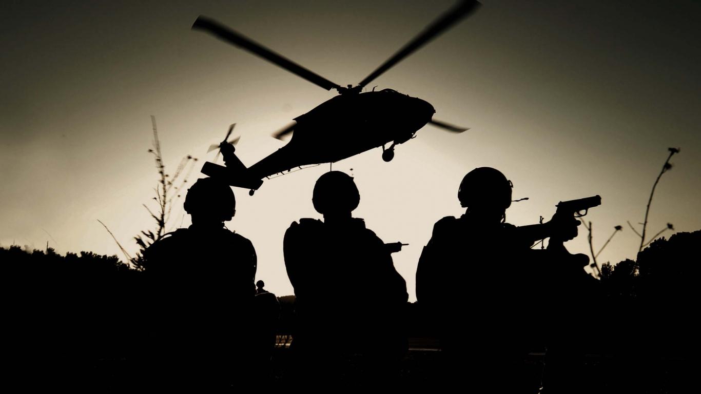 Fotografía de soldados - 1366x768