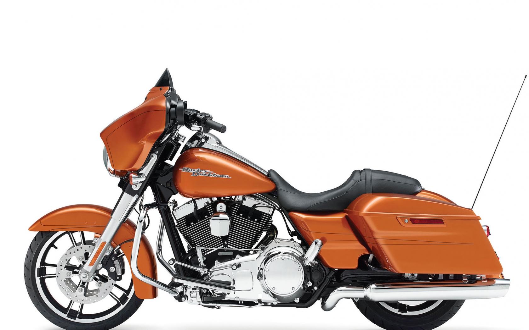 Harley Davidson FLHXS - 1680x1050