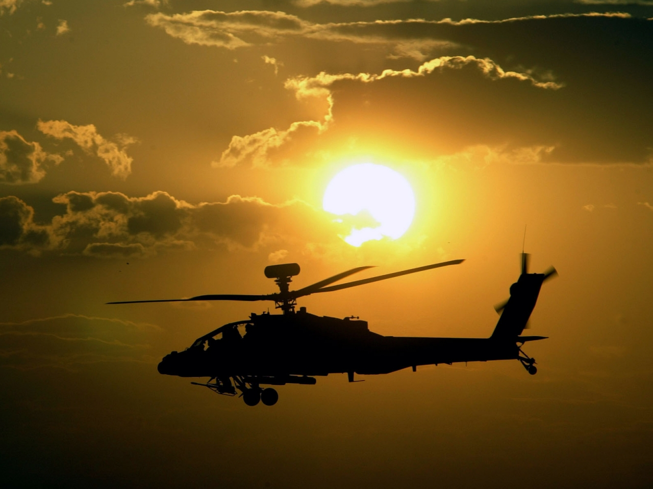 Helicóptero AH 64 Apache - 1280x960