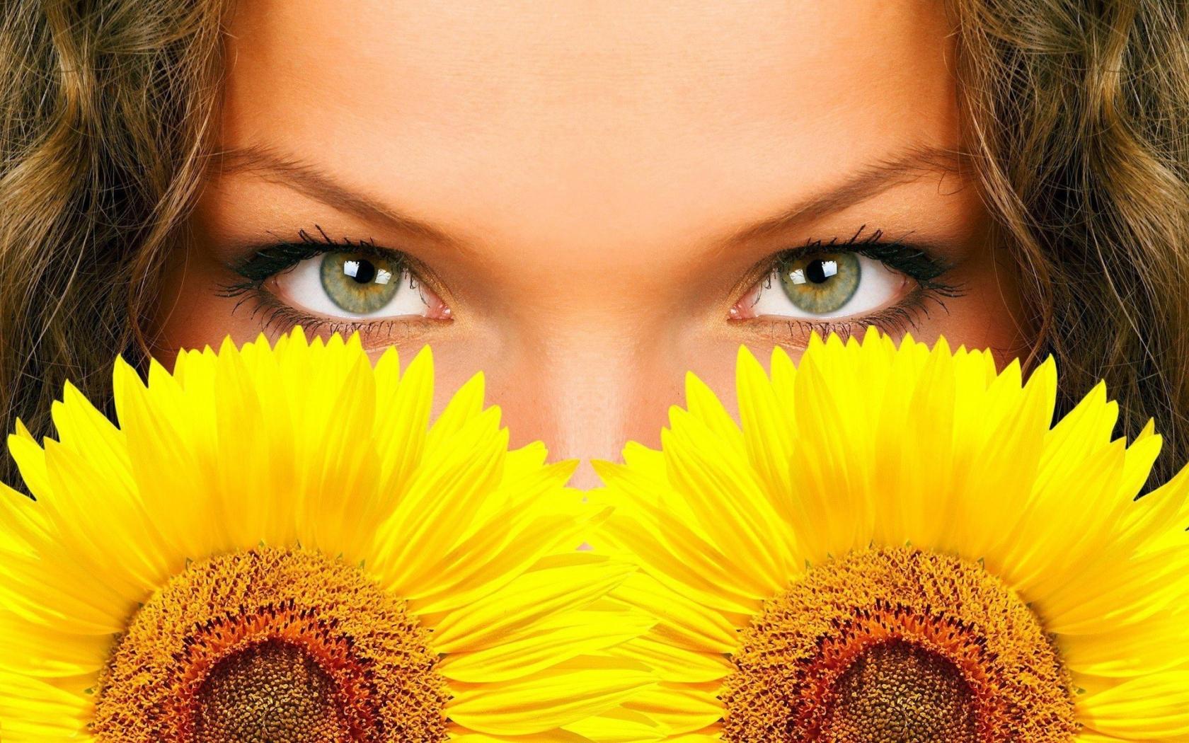 Hermosos ojos y girasoles - 1680x1050