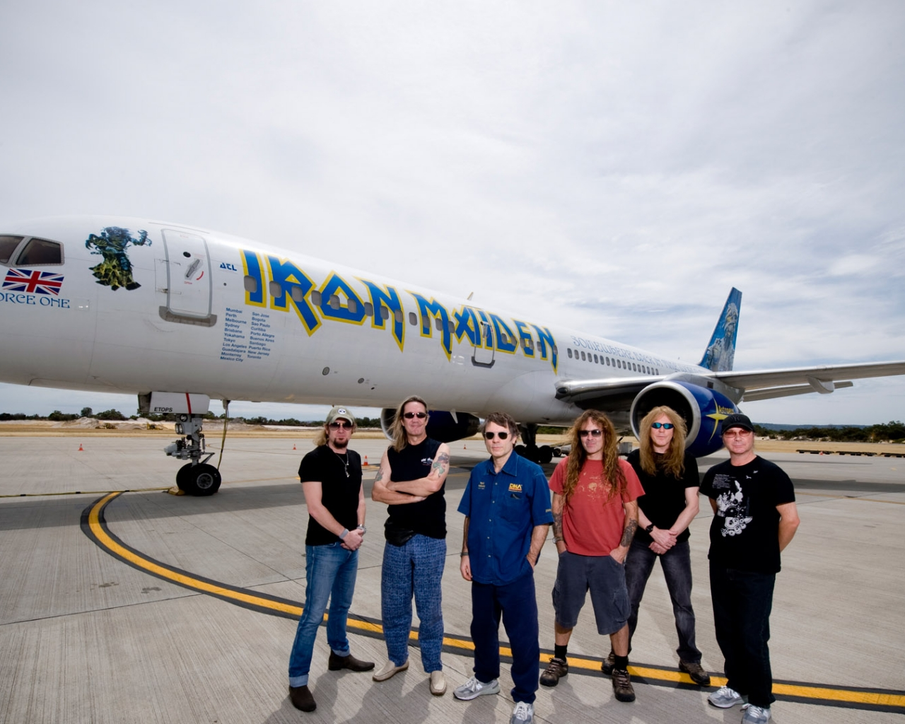 Iron Maiden y su avión privado - 1280x1024