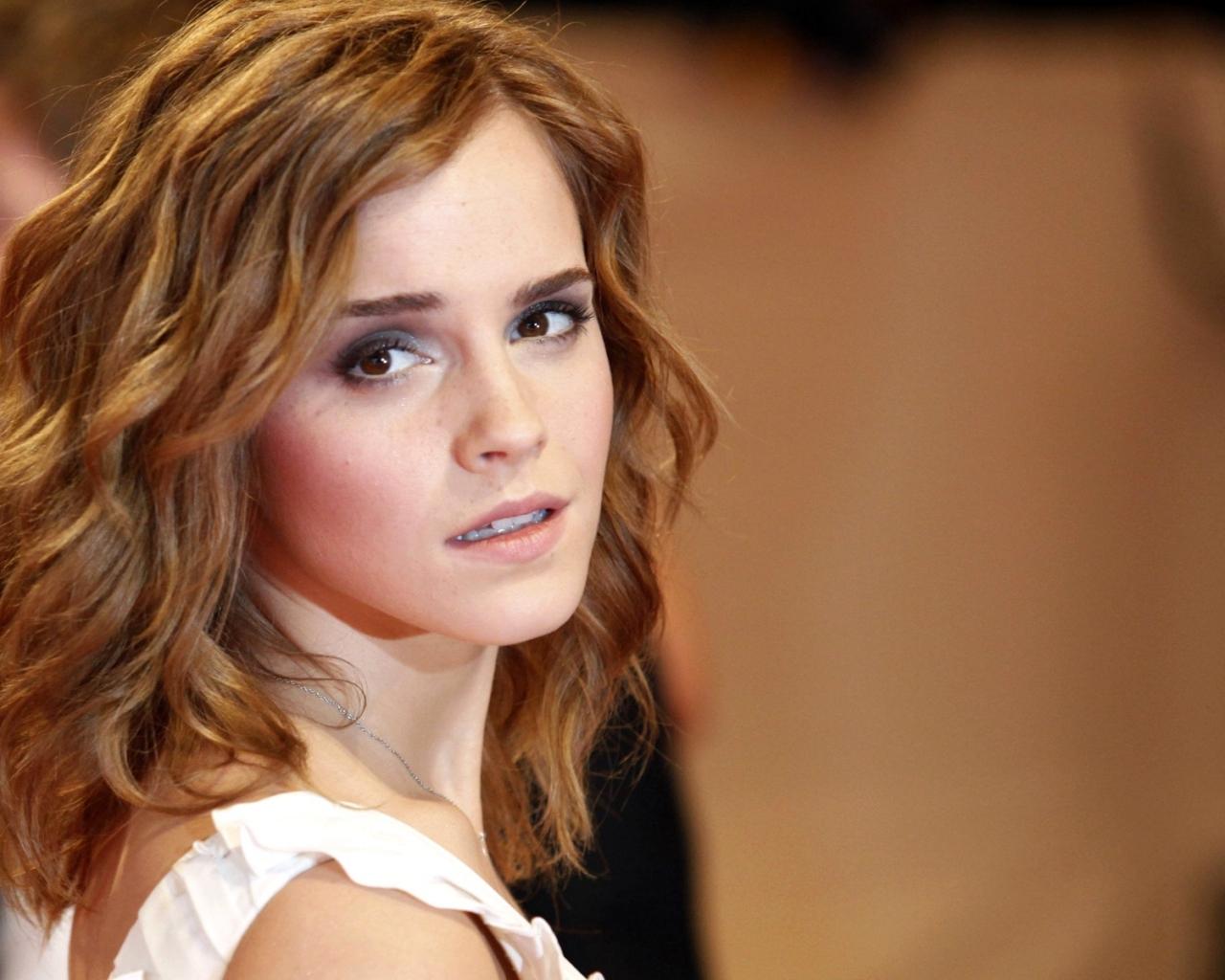 La bella Emma Watson - 1280x1024