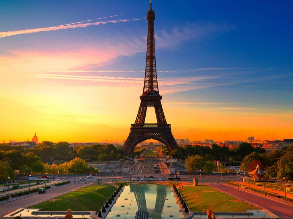 La torre Eiffel al atardecer - 1024x768