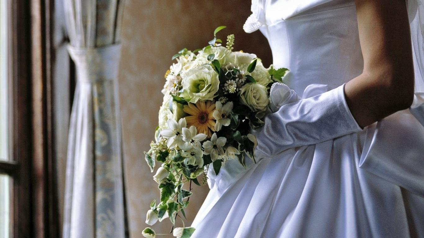 Las flores de una novia - 1366x768