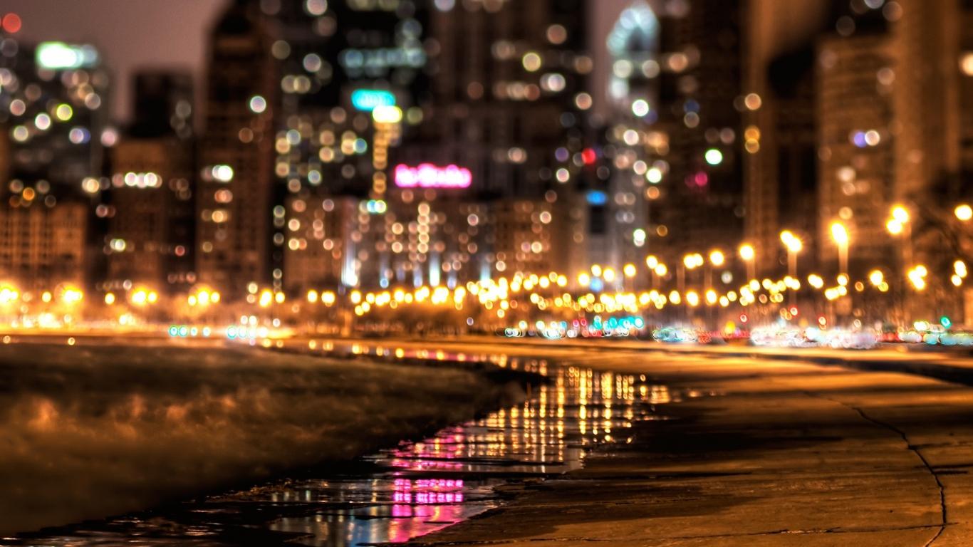 Luces en ciudad - 1366x768