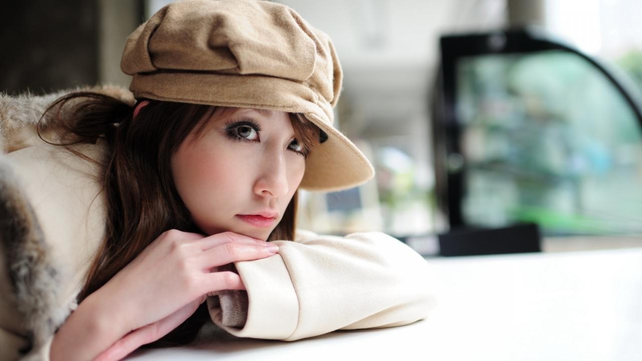 Modelo asiática - 1280x720
