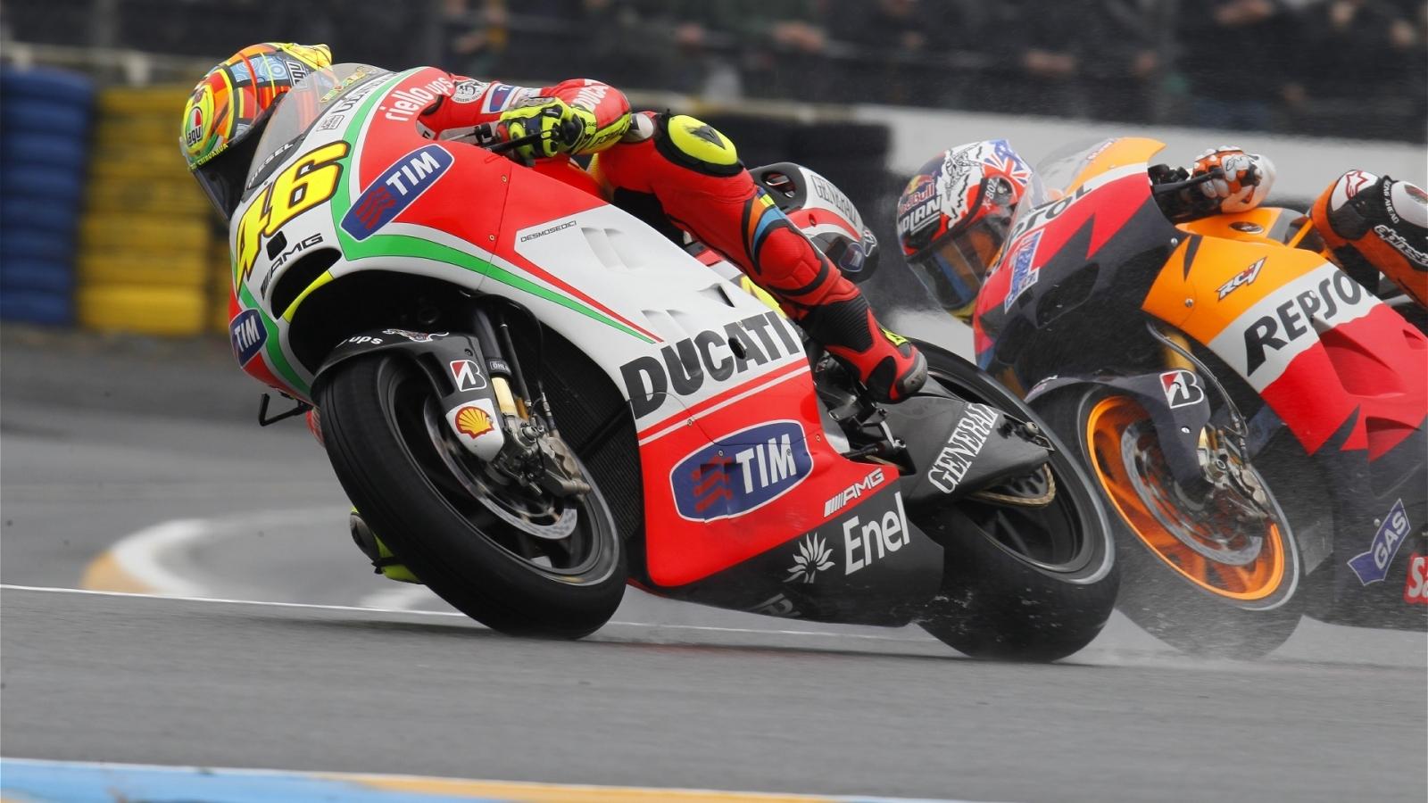 Moto Ducati VS Honda - 1600x900