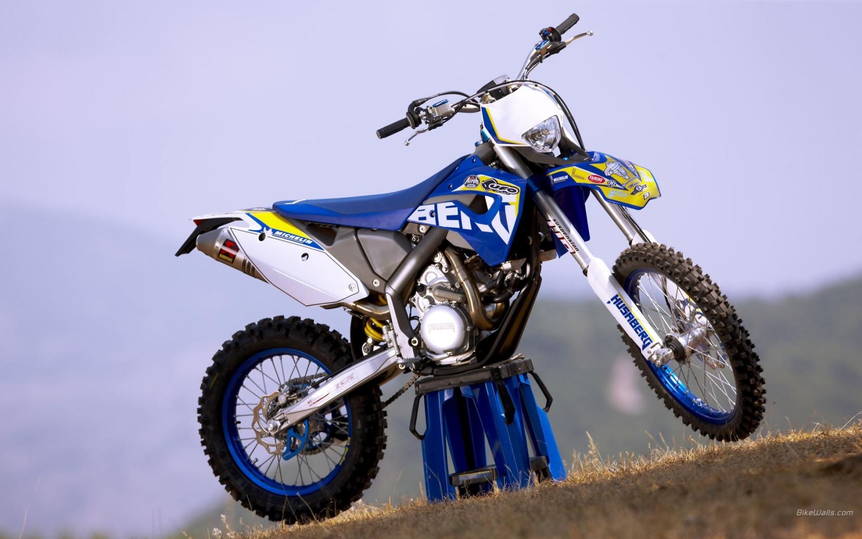 Motocross Azul - 1680x1050