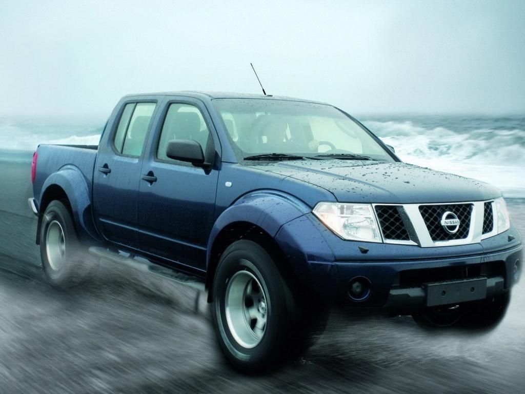 Pickup Nissan azul - 1024x768