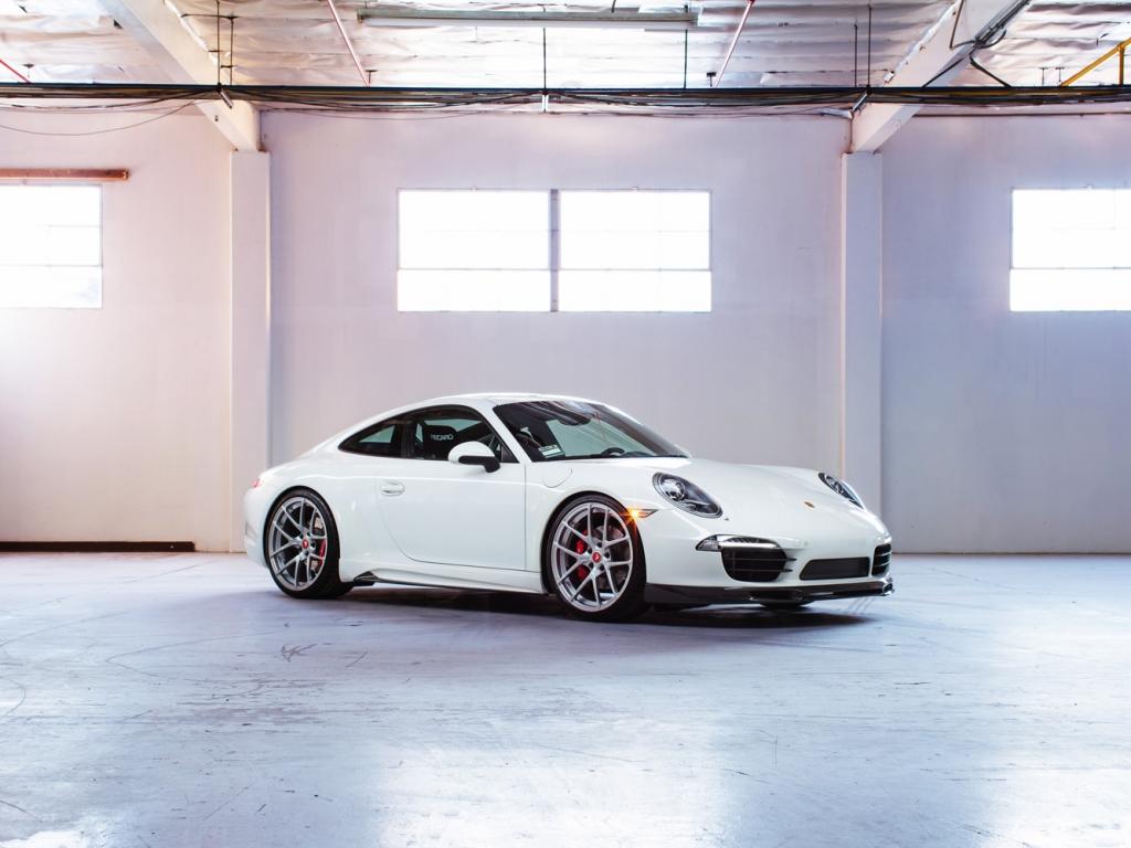 Porsche Carrera 911 - 1024x768