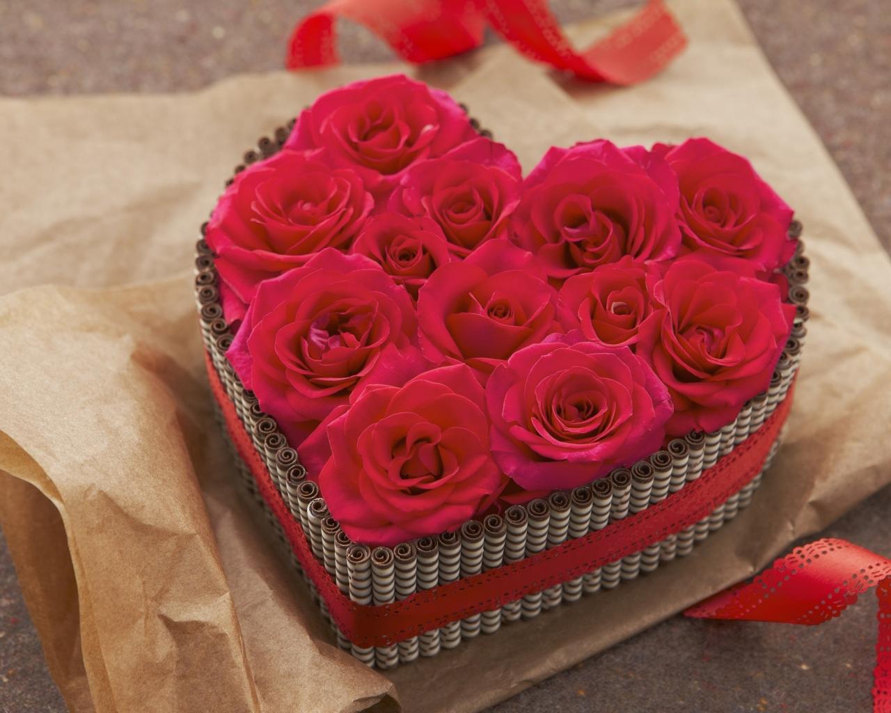 Regalo de rosas y corazones - 1280x1024