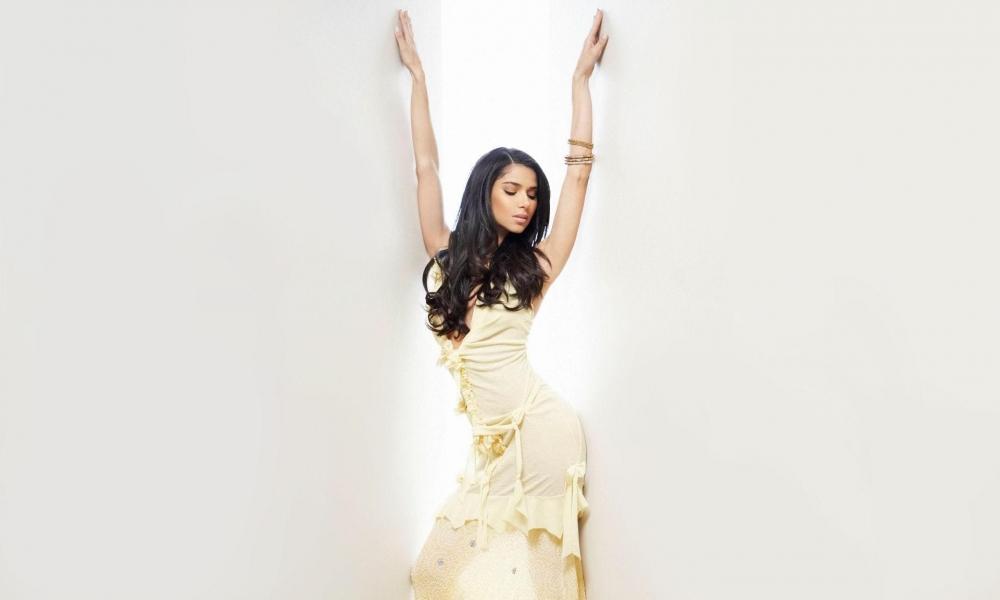 Roselyn Sanchez - 1000x600