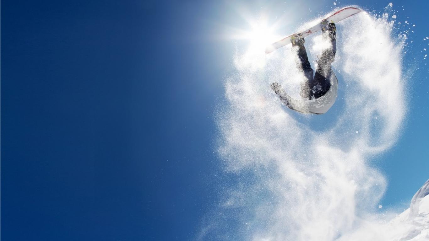 Salto sobre las nieves - 1366x768