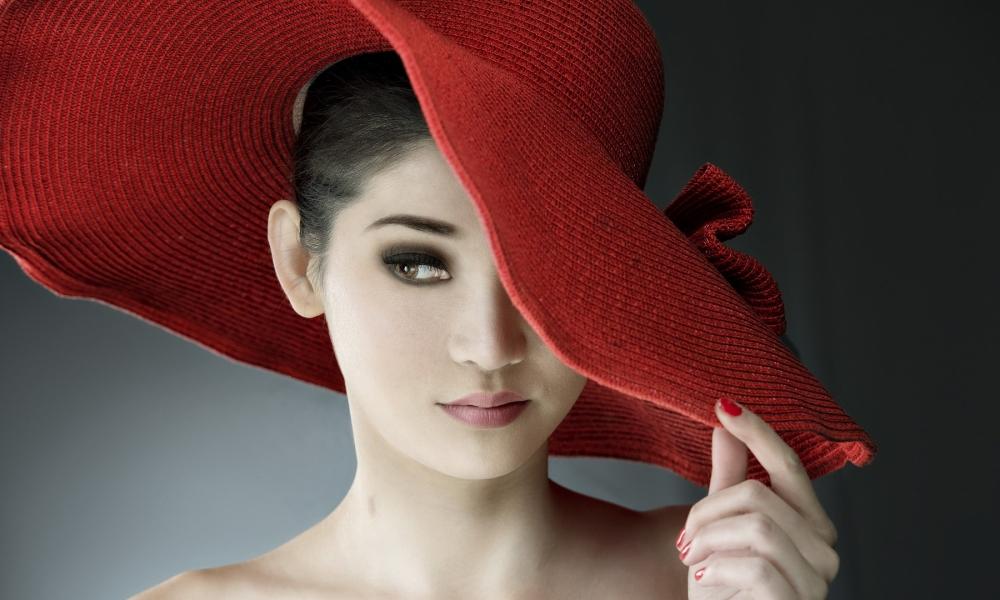 Sombrero rojo de paja - 1000x600