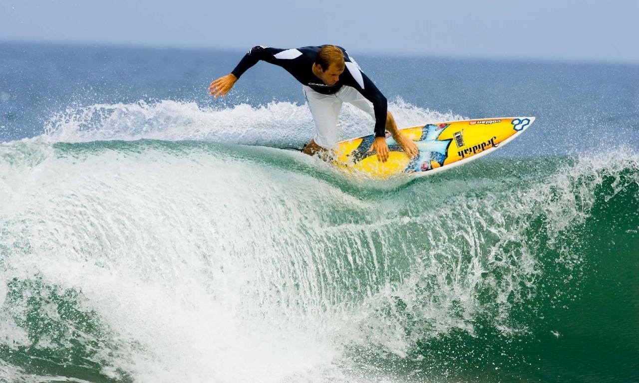 Surfeando olas - 1280x768