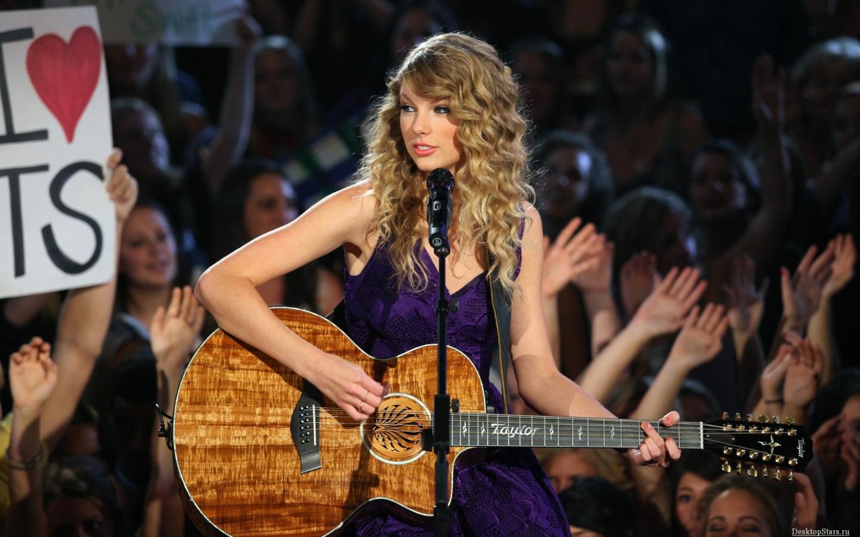 Taylor Swift en unplugged - 1440x900