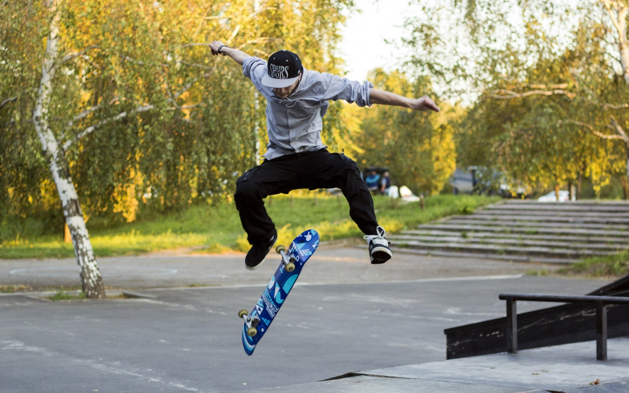 Trucos con skate - 1280x800