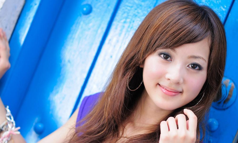 Una linda asiatica - 1000x600