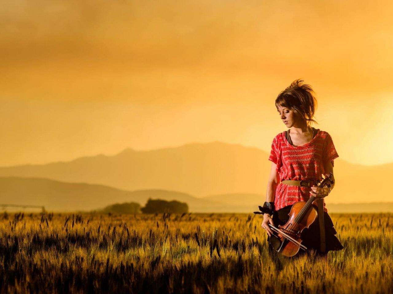 Una mujer violinista - 1280x960