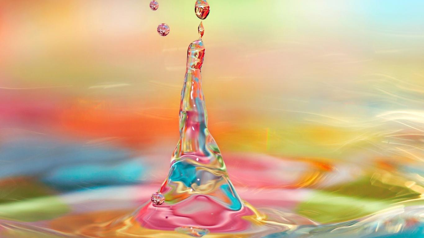 Agua y luces de colores - 1366x768