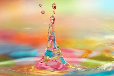 Agua y luces de colores - 480x320