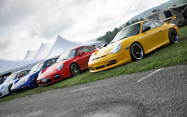 Autos Porsche de colores - 1440x900