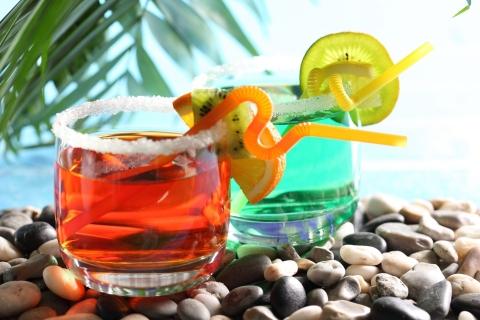 Bebidas y cocteles de colores - 480x320