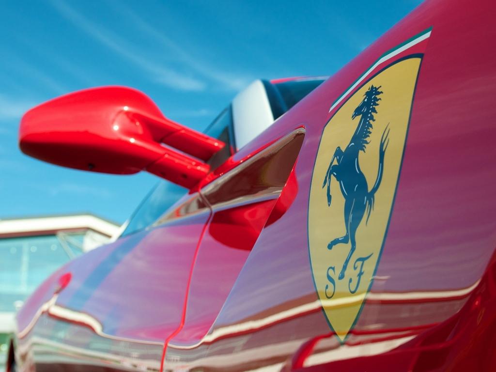 Bello Ferrari - 1024x768