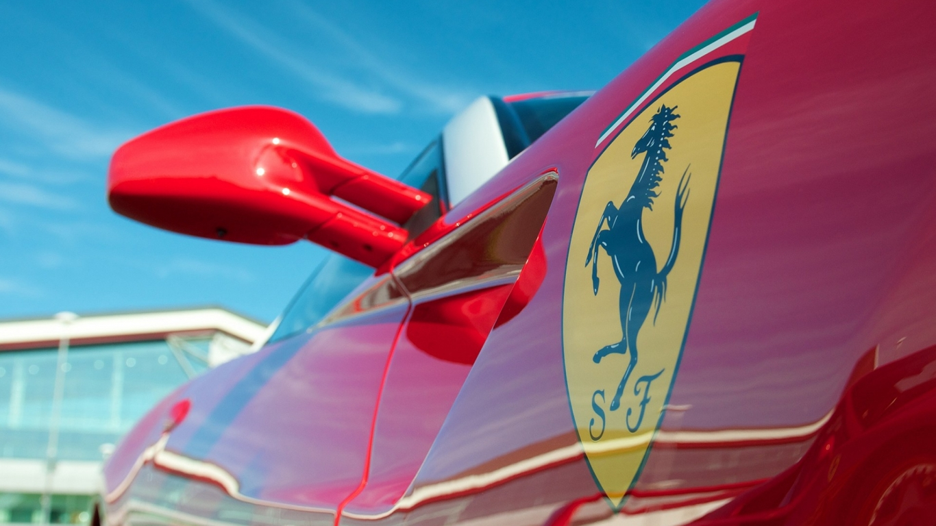Bello Ferrari - 1366x768