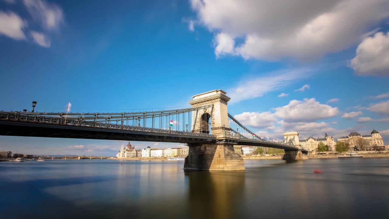 Bello puente en Italia - 1280x720