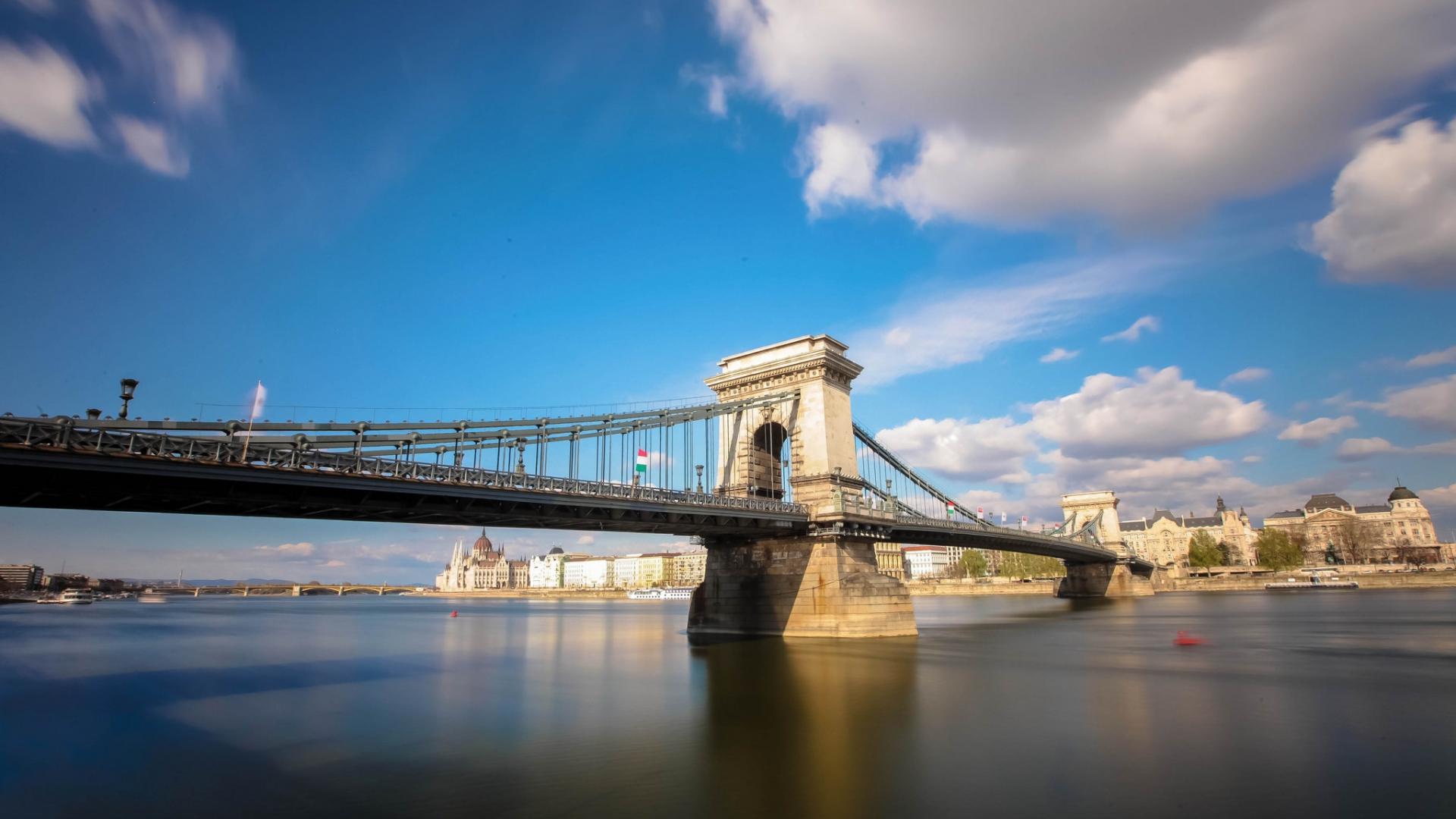 Bello puente en Italia - 1920x1080