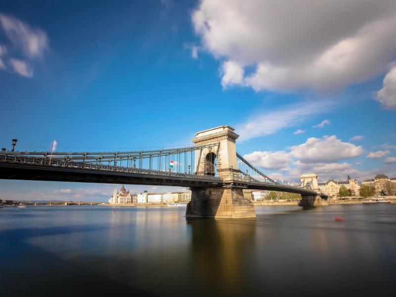 Bello puente en Italia - 800x600