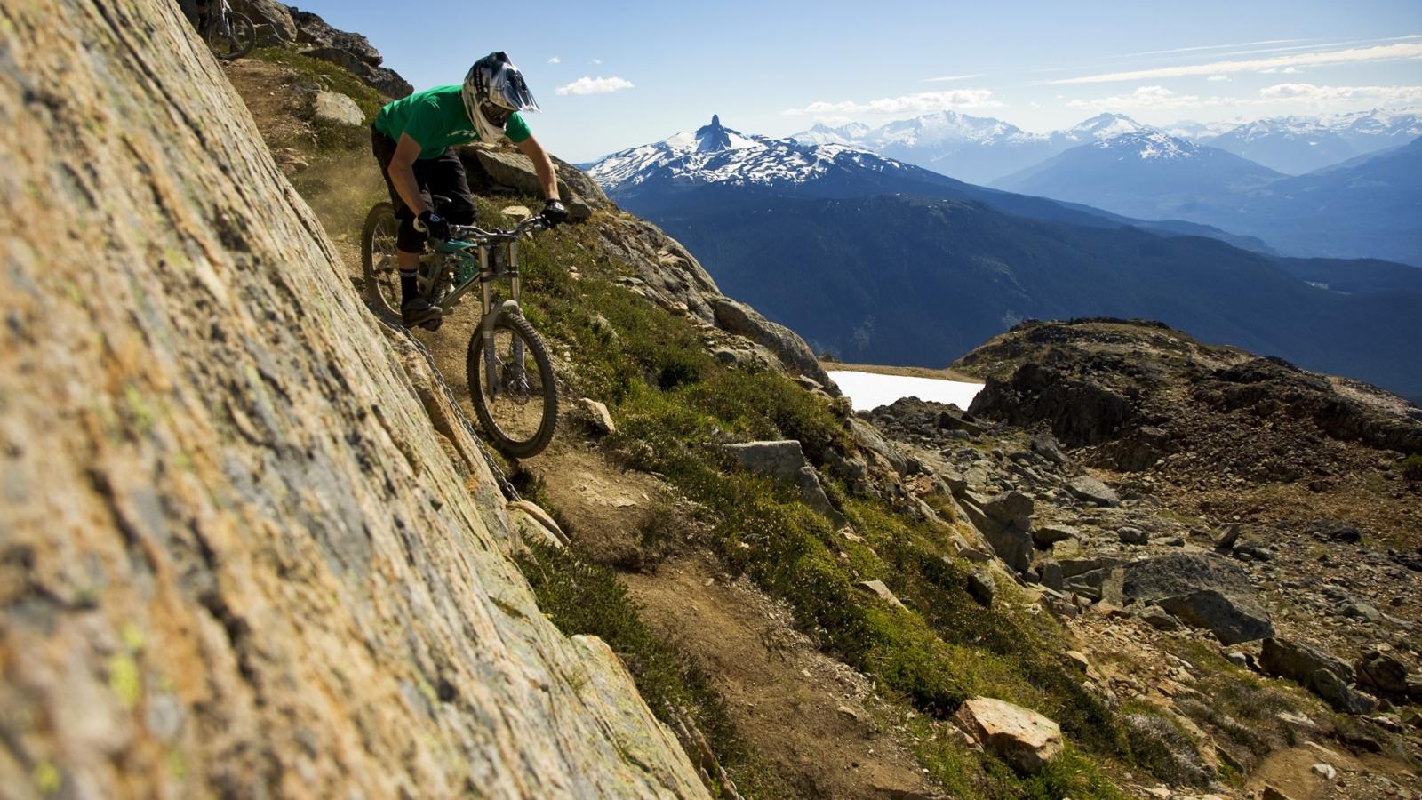 Ciclismo de montana - 1600x900