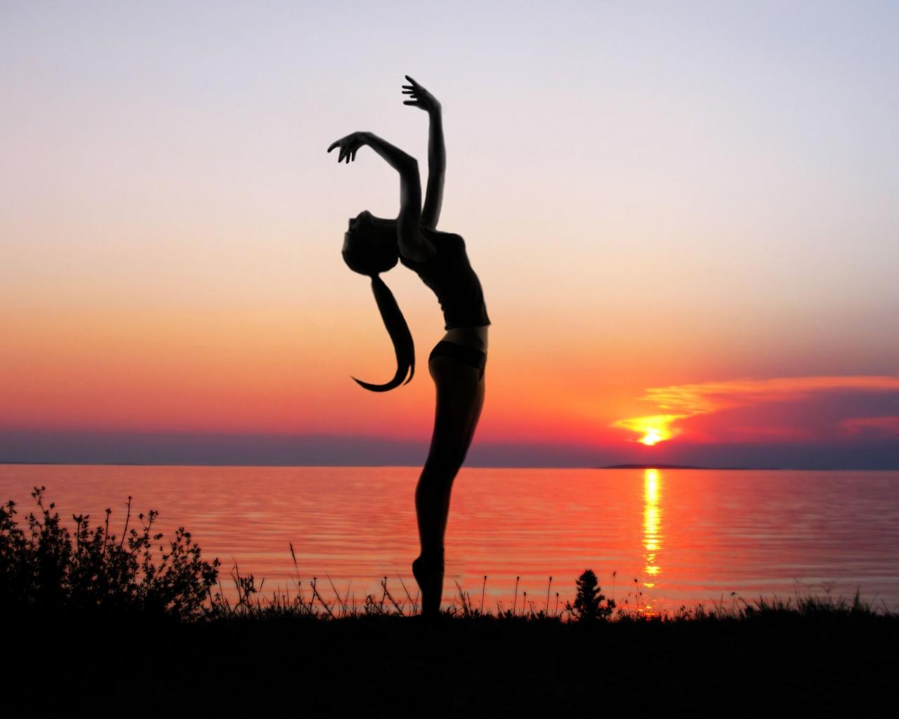Ejercicios de Yoga - 1280x1024