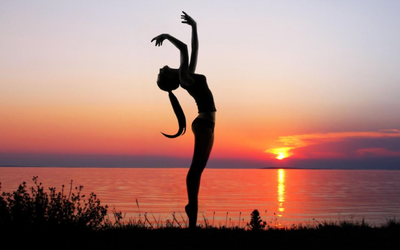 Ejercicios de Yoga - 1280x800