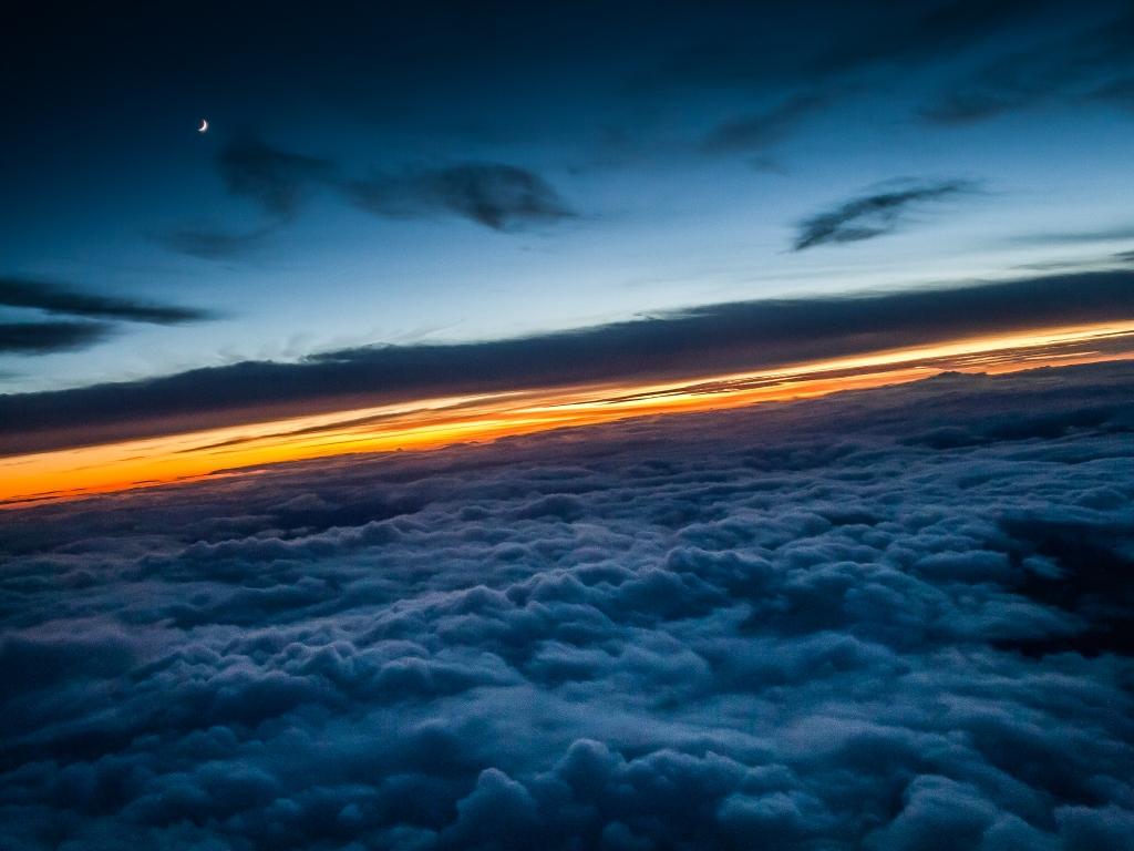Encima de las nubes - 1024x768