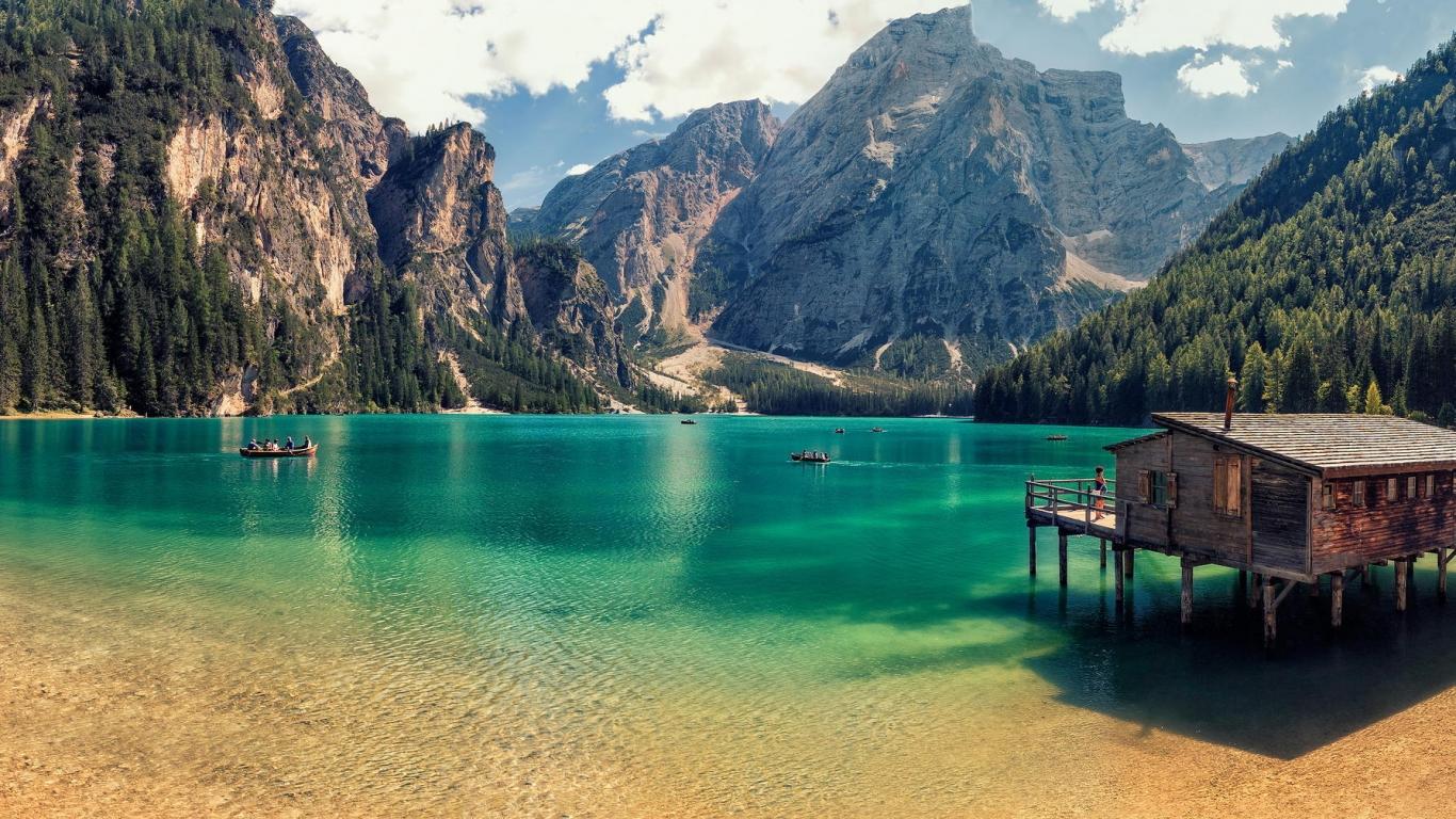 Lago Di Braies de Italia - 1366x768