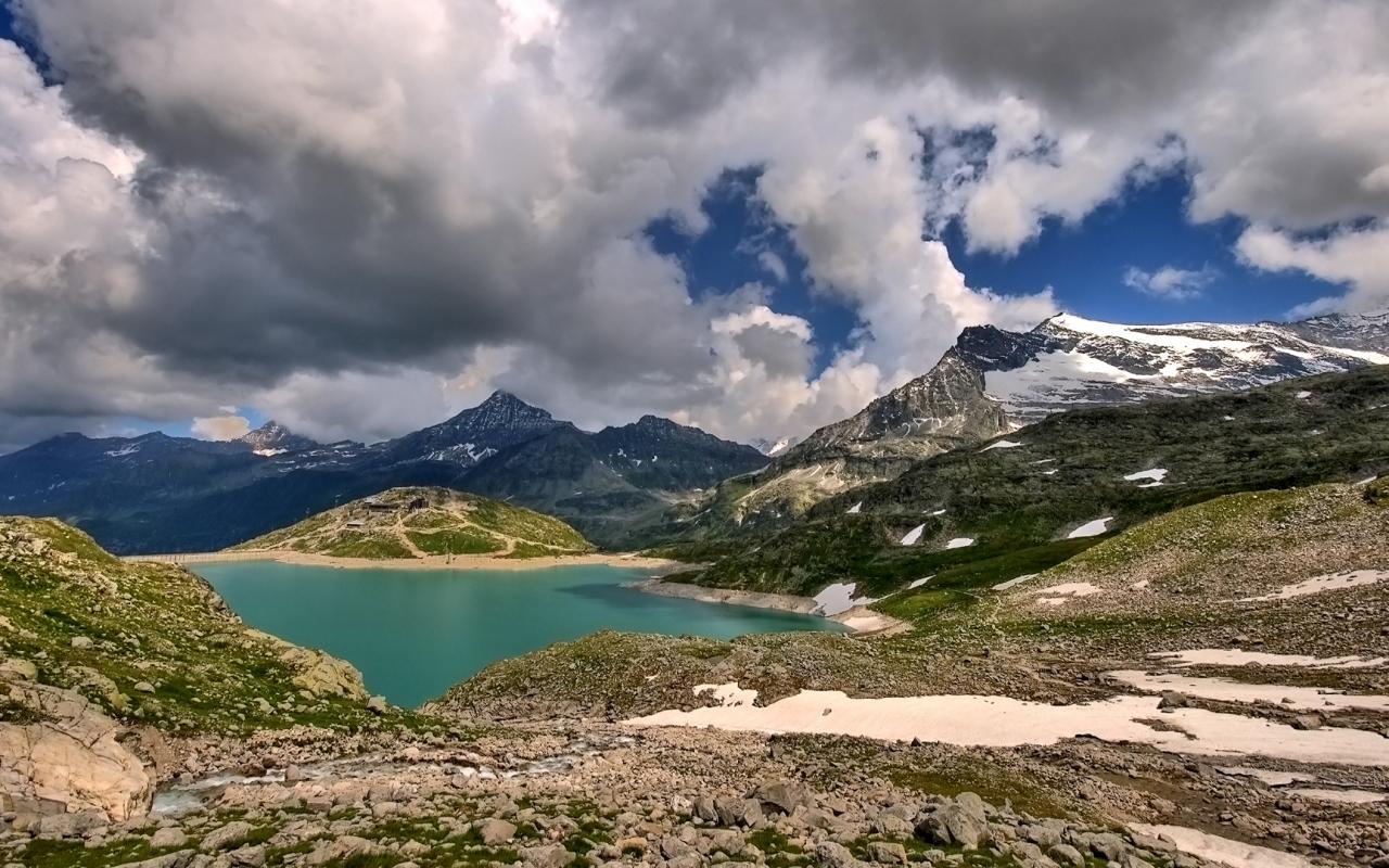 Lagunas y montañas - 1280x800
