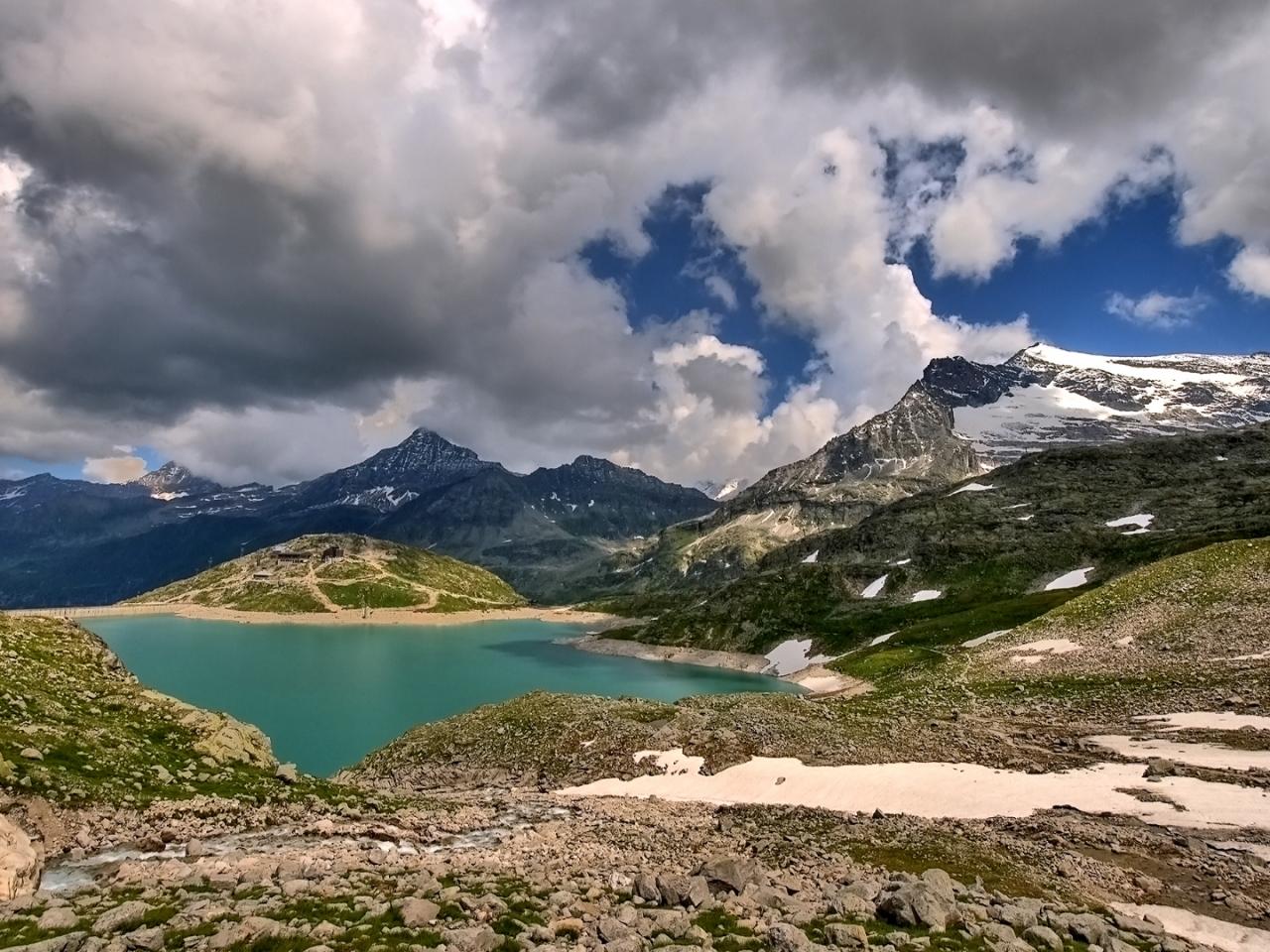 Lagunas y montañas - 1280x960