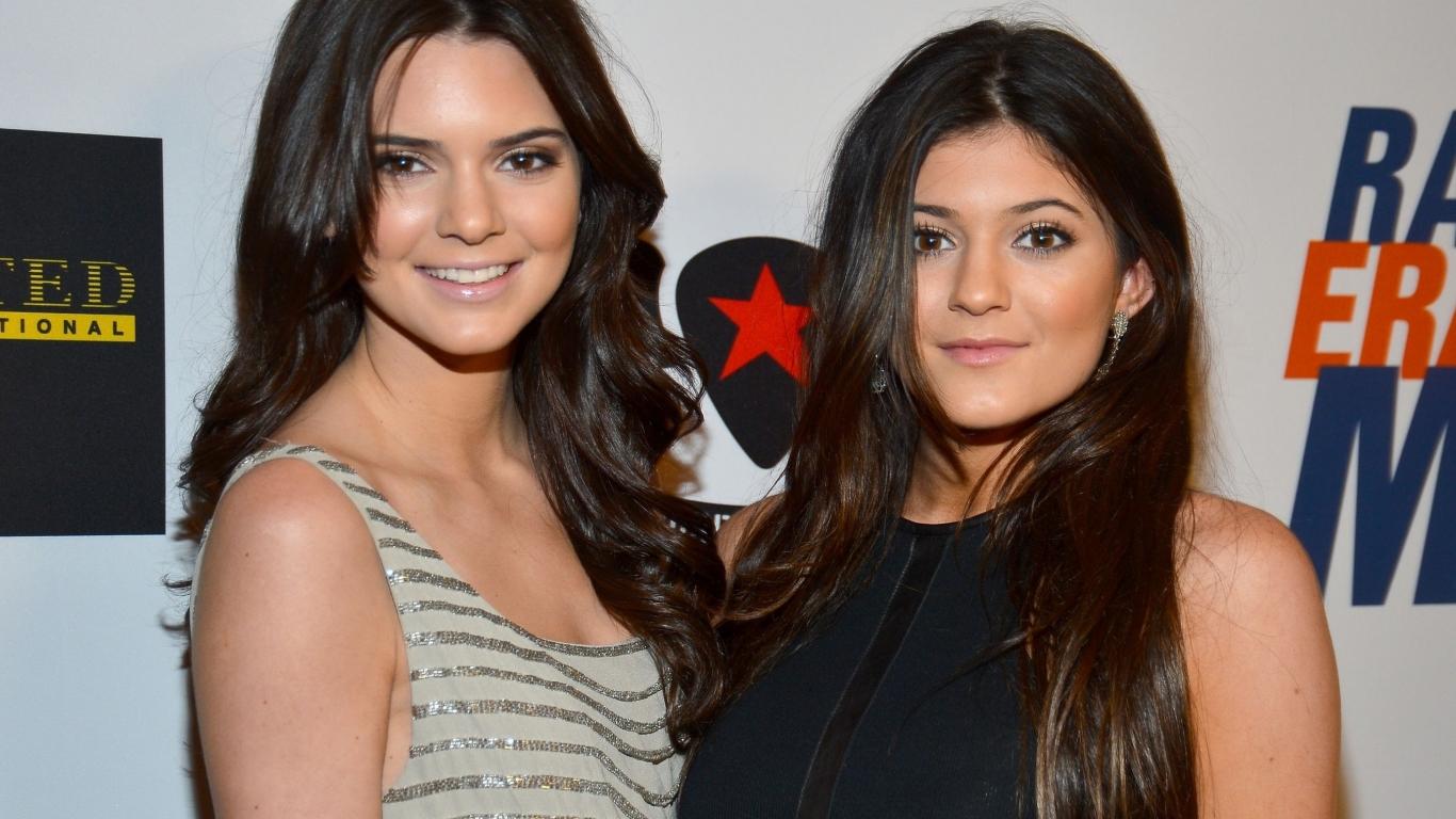Las hermanas Jenner - 1366x768
